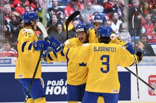 Россию ждёт супербитва за финал! Шведы наводят страх и пока непобедимы на МЧМ