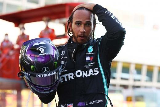Хэмилтон выиграл Гран-при Бахрейна Формулы-1, Ферстаппен — 2-й, Квят — 11-й