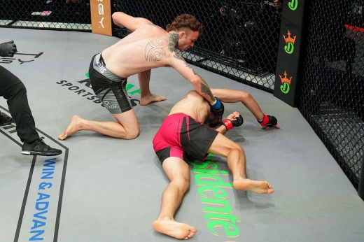PFL 9: Шеймон Мораес нокаутировал Лазара Стоядиновича во втором раунде, видео