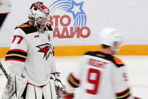 «Авангард» отпустил Гарипова. Почему «ястребы» списали вратаря и зачем он «Динамо»?