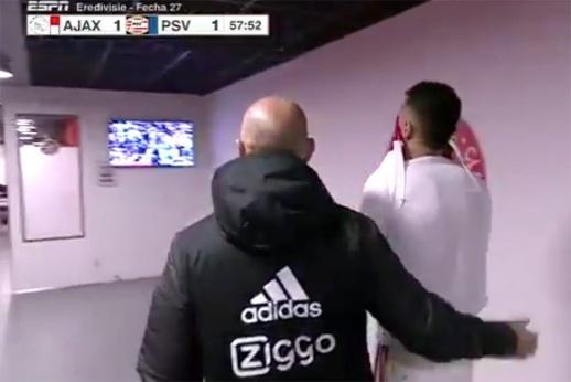 Игрок «Аякса» ударил соперника ногой в лицо. Фол дня в Европе