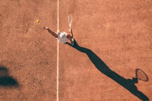 Стратегии ставок на фаворита в большом и настольном теннисе: как увеличить коэффициенты
