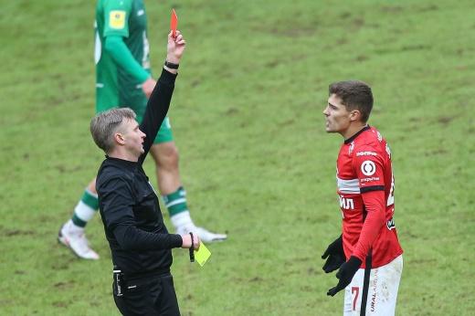 «Спартак» и «Рубин» завершали матч вдесятером, а гол Соболева отменили. Где судья ошибся?