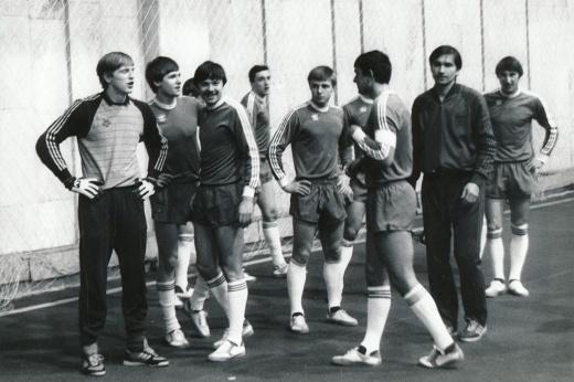 Фанатские разборки в советском футболе: экстремальный выезд болельщиков ЦСКА в Ригу