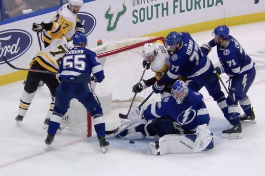 В НХЛ крутят суперсейв Василевского! Выставил ногу, отбив шайбу вслепую