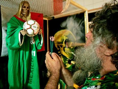 Ведьмы и знахари на страже футбола