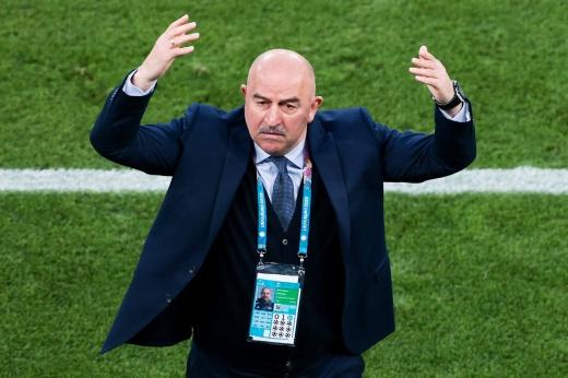 «Ответственность всегда лежит на тренере». Черчесов — после вылета с Евро