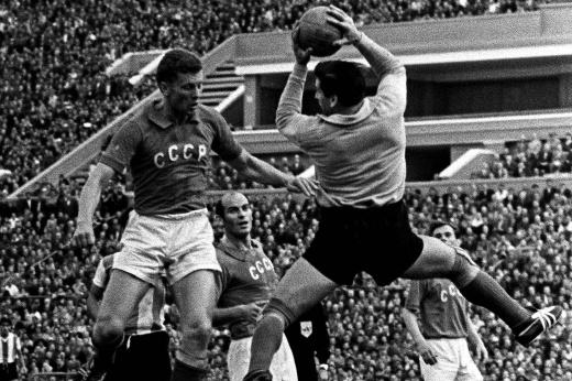 Ушёл из жизни чемпион Европы 1960 года Виктор Понедельник – воспоминания игроков
