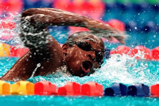 Худший пловец мира едва не утонул на Олимпиаде. А потом стал тренером сборной