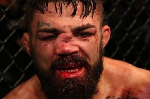 Майк Перри — Тим Минс на UFC 255, 22 ноября 2020, превью боя