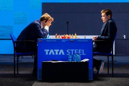 18-летний парень из России обыграл Магнуса Карлсена. Есипенко – новая звезда шахмат?