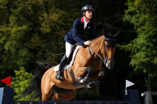 «Ты же просто сидишь!»: зачем в конном спорте нужен всадник и какую работу он выполняет