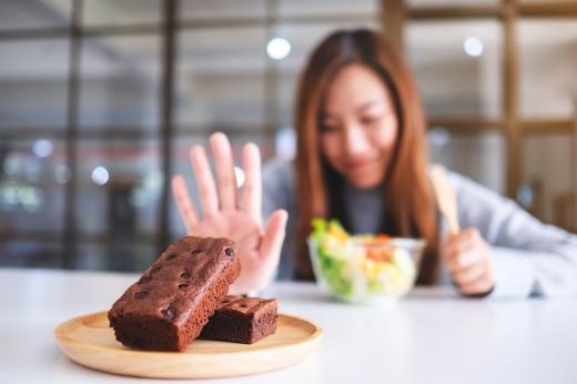 Конфеты под запретом: почему стоит отказаться от сахара, даже если вес в норме
