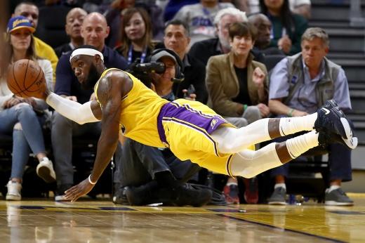 Исторический рекорд Леброна. От Короля пострадали все клубы НБА
