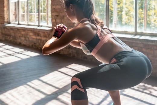 В чём суть осознанных приседаний, как правильно приседать, чтобы накачать мышцы?