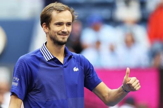 Даниил Медведев теперь со «Шлемом». Не пора ли ему замахнуться на 1-е место в рейтинге?