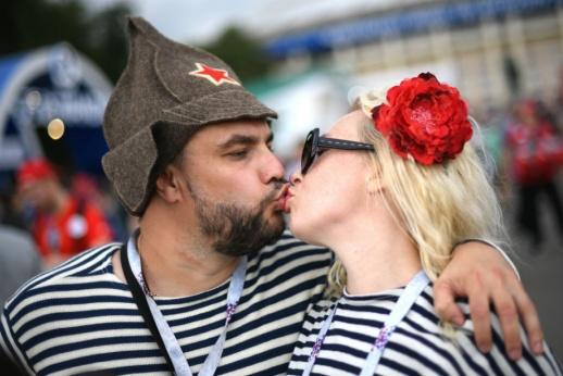 «Приезжайте в Россию и почувствуйте любовь». Англия сменила гнев на милость