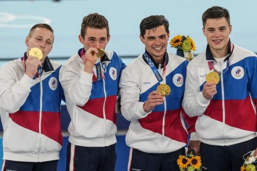 Россия выиграла три золота за час, но выпала из топ-3 медального зачёта. Как же так вышло?