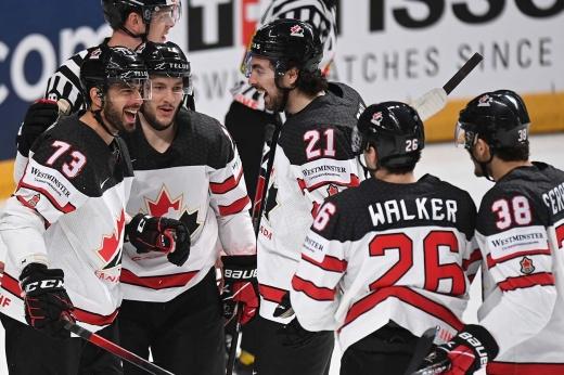 Как Россия могла проиграть «такой Канаде»? Спросите у США, а канадцы — уже в финале ЧМ!