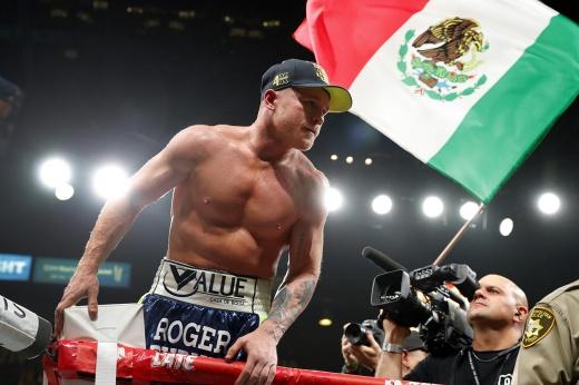 Лучший боксёр мира отсудил себе свободу. Третьего боя с Головкиным не будет