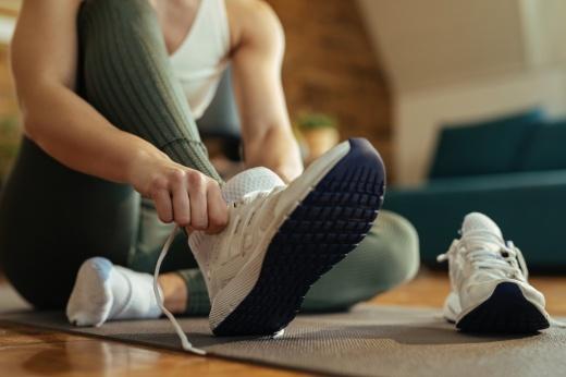 На каждый день: безопасно ли постоянно носить кроссовки?