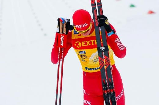 Большунов свалился в снег во время битвы с норвежцами. Сам виноват или «помогли»?