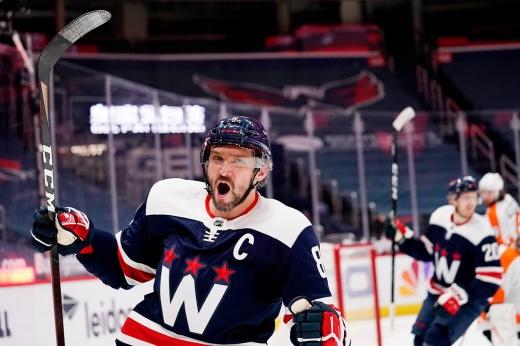 Видео 718-го гола Овечкина, который позволил ему обойти Эспозито в списке снайперов НХЛ