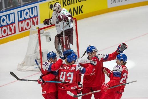 Латвия вела 2:0 и готовила сенсацию. Всё изменило удаление до конца игры