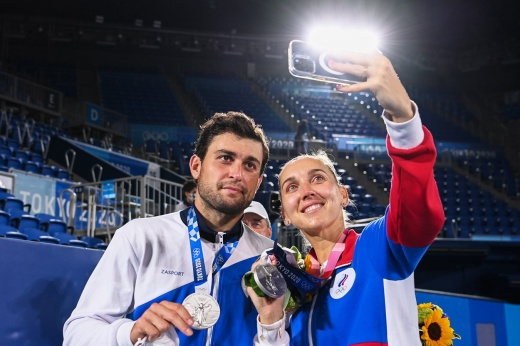Олимпийская медаль на день рождения. Трудный путь российской теннисной пары к серебру