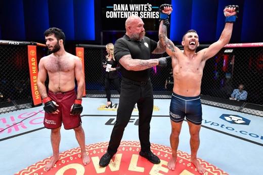 Альберт Дураев получил контракт с UFC, история чеченского бойца