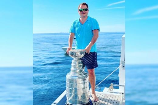 «Никаких планов завершать карьеру у Войнова нет, он ждёт окончания дисквалификации в НХЛ»
