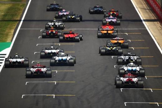 Хэмилтон выиграл квалификацию Гран-при Великобритании, Ферстаппен — 2-й, Боттас — 3-й, Мазепин — 20-й