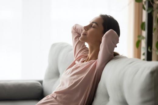 Техника холотропного дыхания. Чем оно полезно? Кому нельзя делать холотропное дыхание?