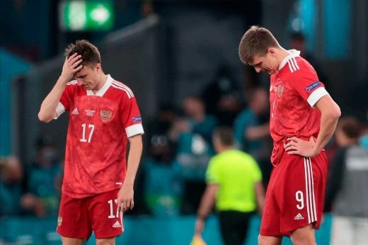 Разгром от Дании — норма. У сборной России нет ничего, кроме старания