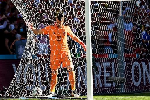 «Что ты наделал?» Какой нелепый автогол сборной Испании на Евро!