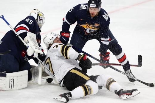 Пока что лучший матч сезона КХЛ! «Магнитка» четырежды догоняла и в итоге сломила чемпиона!