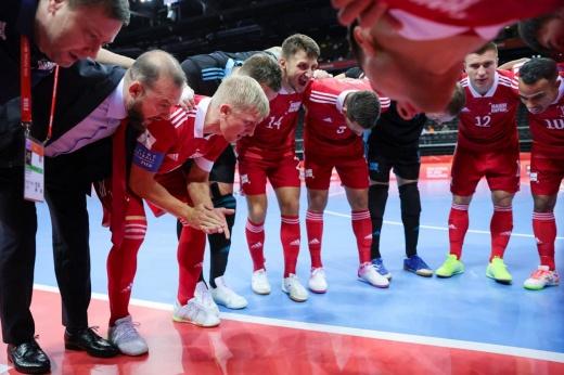 Россия может выиграть золото чемпионата мира по мини-футболу. Но впереди Бразилия?