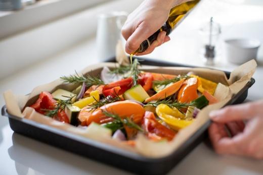 Сварить, пожарить или съесть сырыми: как правильно готовить овощи