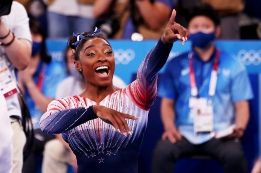 Симона Байлз доказала, что она героиня. Вышла на финал и завоевала медаль Олимпиады