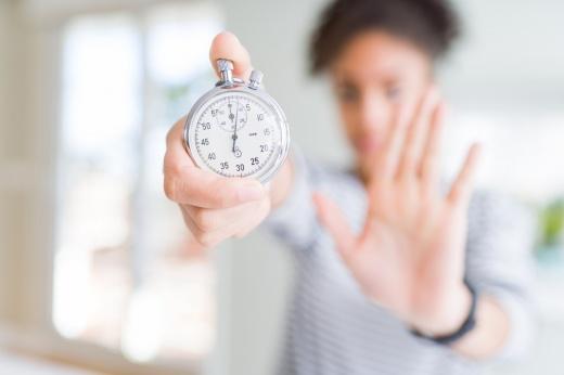 Строго по часам: плюсы и минусы интервального голодания