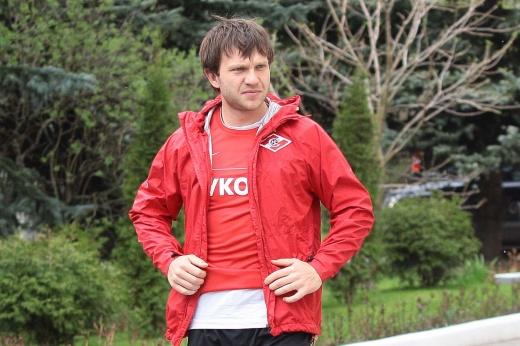 Взял бронзу Евро, играл за «Спартак», а потом попал на 150 млн и исчез. Где теперь Саенко