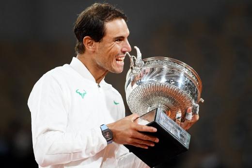 Надаль в 13-й раз выиграл «Ролан Гаррос» и догнал Федерера по числу титулов на «Шлемах»