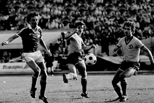 Суперкубок СССР 1988 года могли отменить из-за драки фанатов «Спартака» и Киева