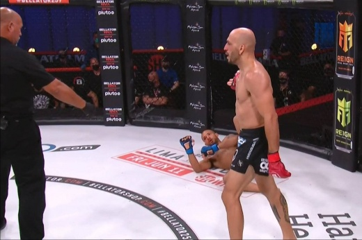 UFC Vegas 31: Аманда Лемос нокаутировала Монтсеррат Руис, спорное решение судьи Криса Когнони, видео боя
