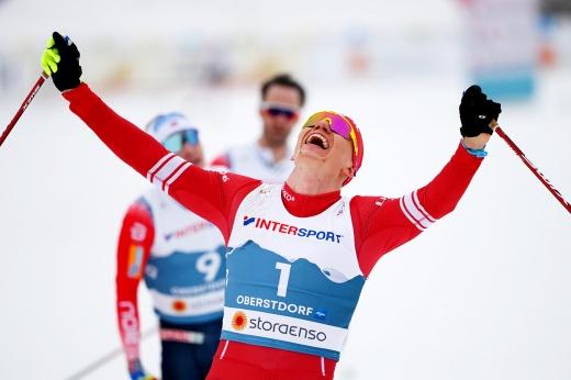 Поразительная золотая гонка Большунова! Россиянин разбил всех норвежцев их же оружием