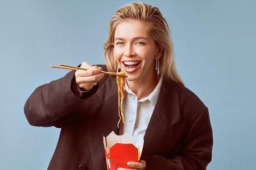 Без диет и голодовки: 11 правил питания Веры Брежневой