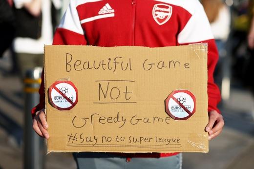 Как англичане спасли футбол. Крах Суперлиги — их заслуга