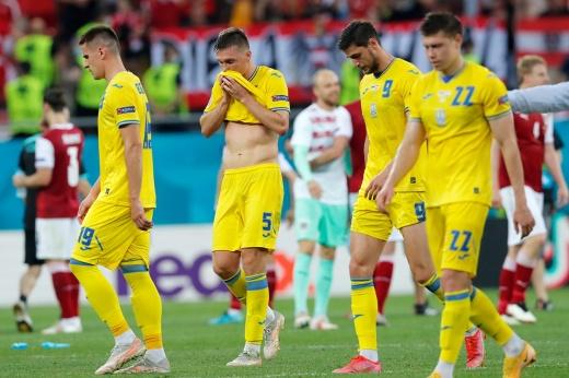 Ни героев, ни славы. Похоже, Украина раньше России теряет шансы на выход из группы
