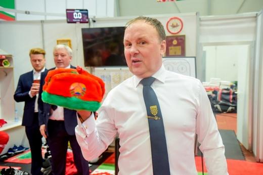 Подробности скандала на чемпионате мира по хоккею — 2021: почему мэр Риги снял флаги Беларуси, России и ИИХФ