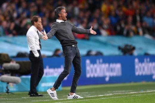 «Собирай чемодан». Фанаты сборной Испании требуют увольнения тренера после вылета с Евро